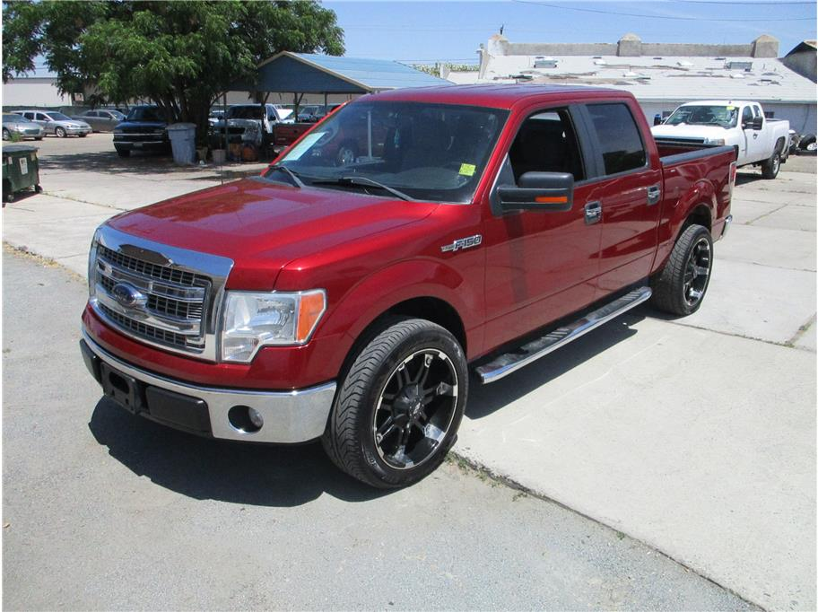 2013 Ford F150 SuperCrew Cab XLT Pickup 4D 5 1/2 ft in Selma, CA