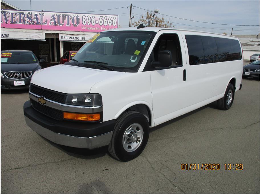 Used 2018 Chevrolet Express 3500 Passenger LT Extended Van 3D in Selma, CA