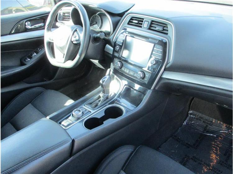 2017 Nissan Maxima SV Sedan 4D