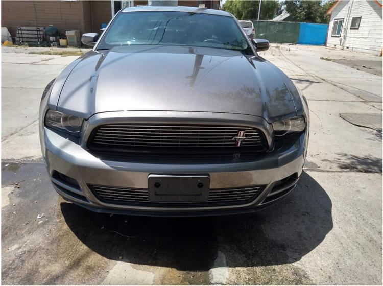 2013 Ford Mustang V6 Premium Coupe 2D