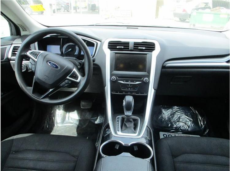 2014 Ford Fusion SE Sedan 4D