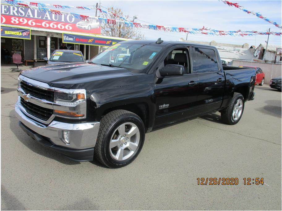 Used 2016 Chevrolet Silverado 1500 Crew Cab LT Pickup 4D 5 3/4 ft in Selma, CA