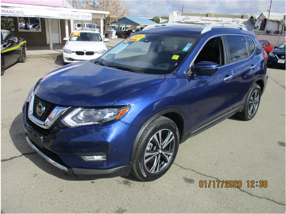 Used 2018 Nissan Rogue SL Sport Utility 4D in Selma, CA
