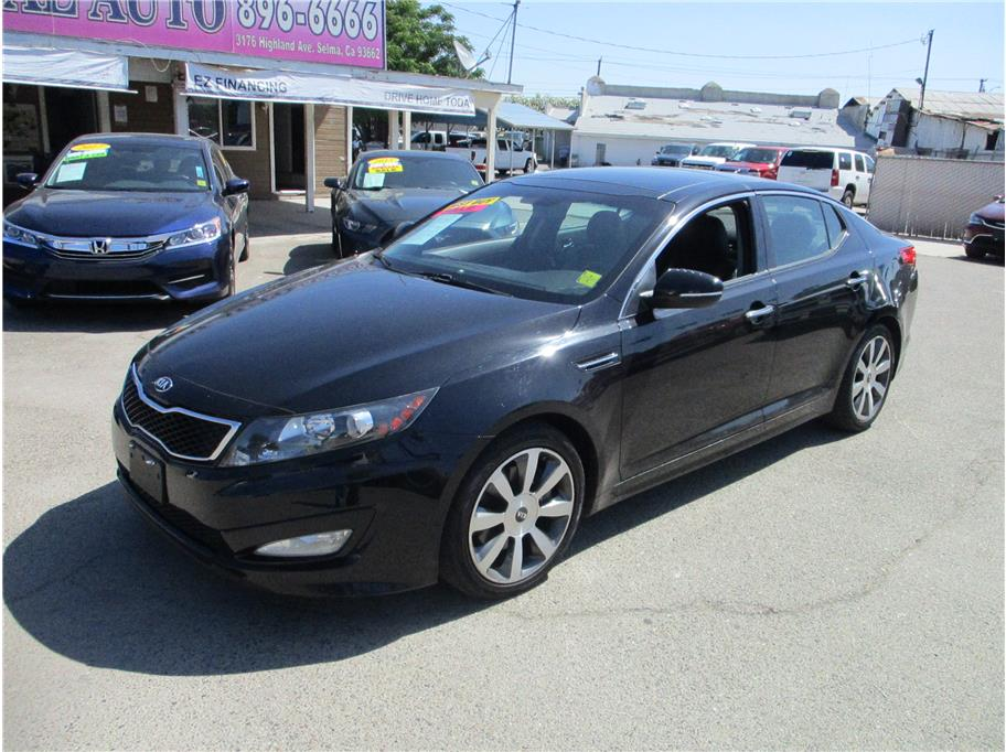 2013 Kia Optima Limited-SXL Sedan 4D in Selma, CA