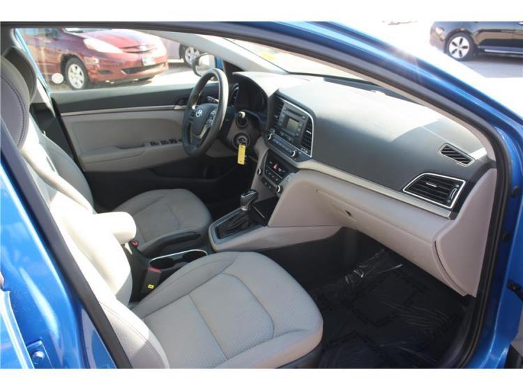2017 Hyundai Elantra SE Sedan 4D