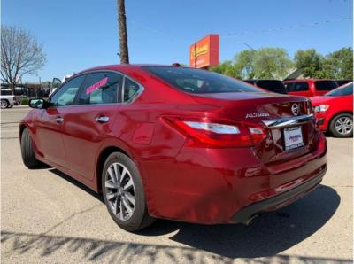 2017 Nissan Altima 2.5 SV (2017.5) Sedan 4D in Selma, CA