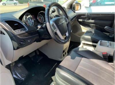 2015 Chrysler Town & Country Touring Minivan 4D in Selma, CA