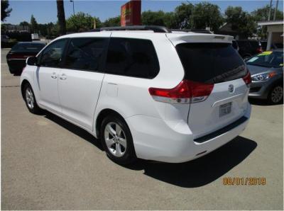 2014 Toyota Sienna LE Minivan 4D in Selma, CA