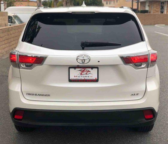 2015 Toyota Highlander XLE Sport Utility 4D