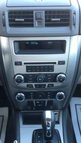 2010 Ford Fusion SE Sedan 4D