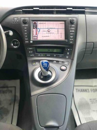 2010 Toyota Prius III Hatchback 4D