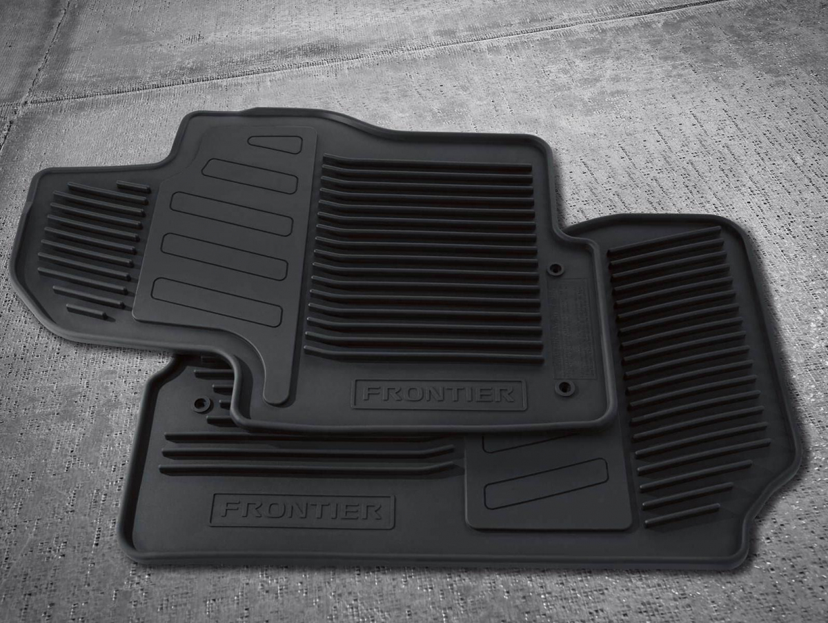 Nissan Frontier foot mats