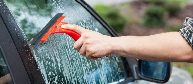Cleaning Window Western Motors Fresno